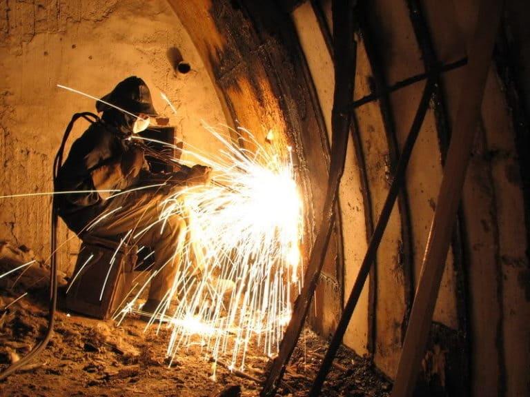 демонтируем металлоконструкции